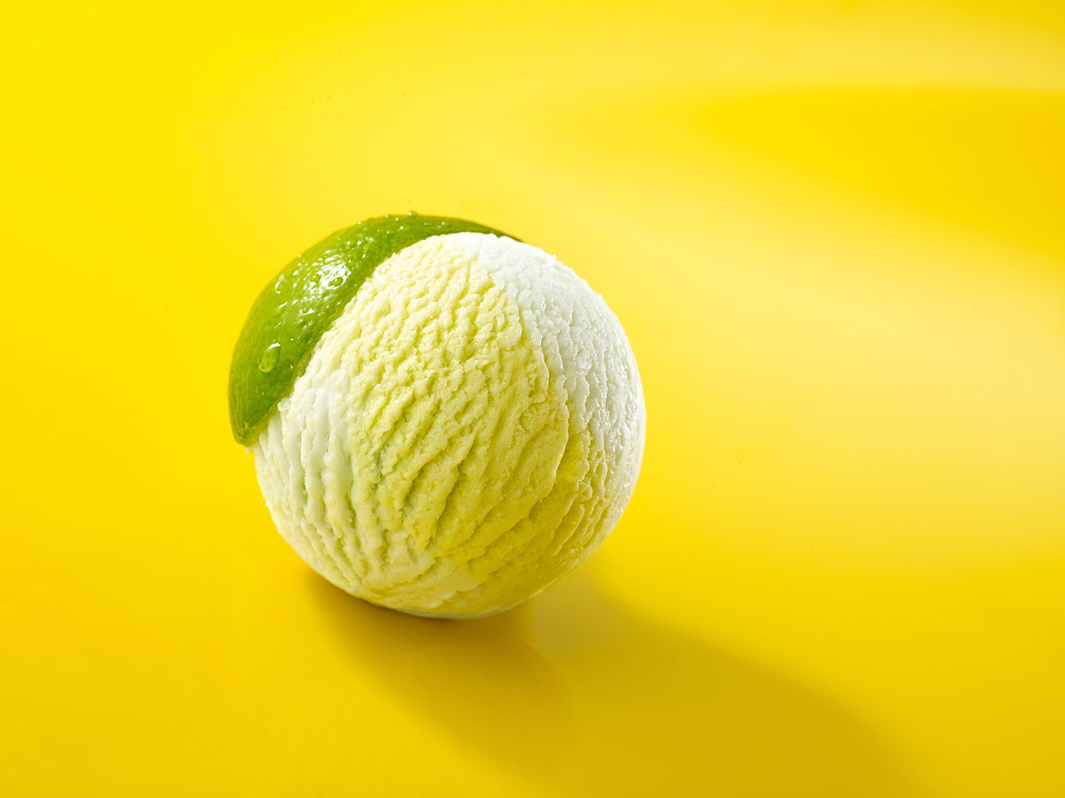 F076_food_shot_lime_ice_cream.jpg