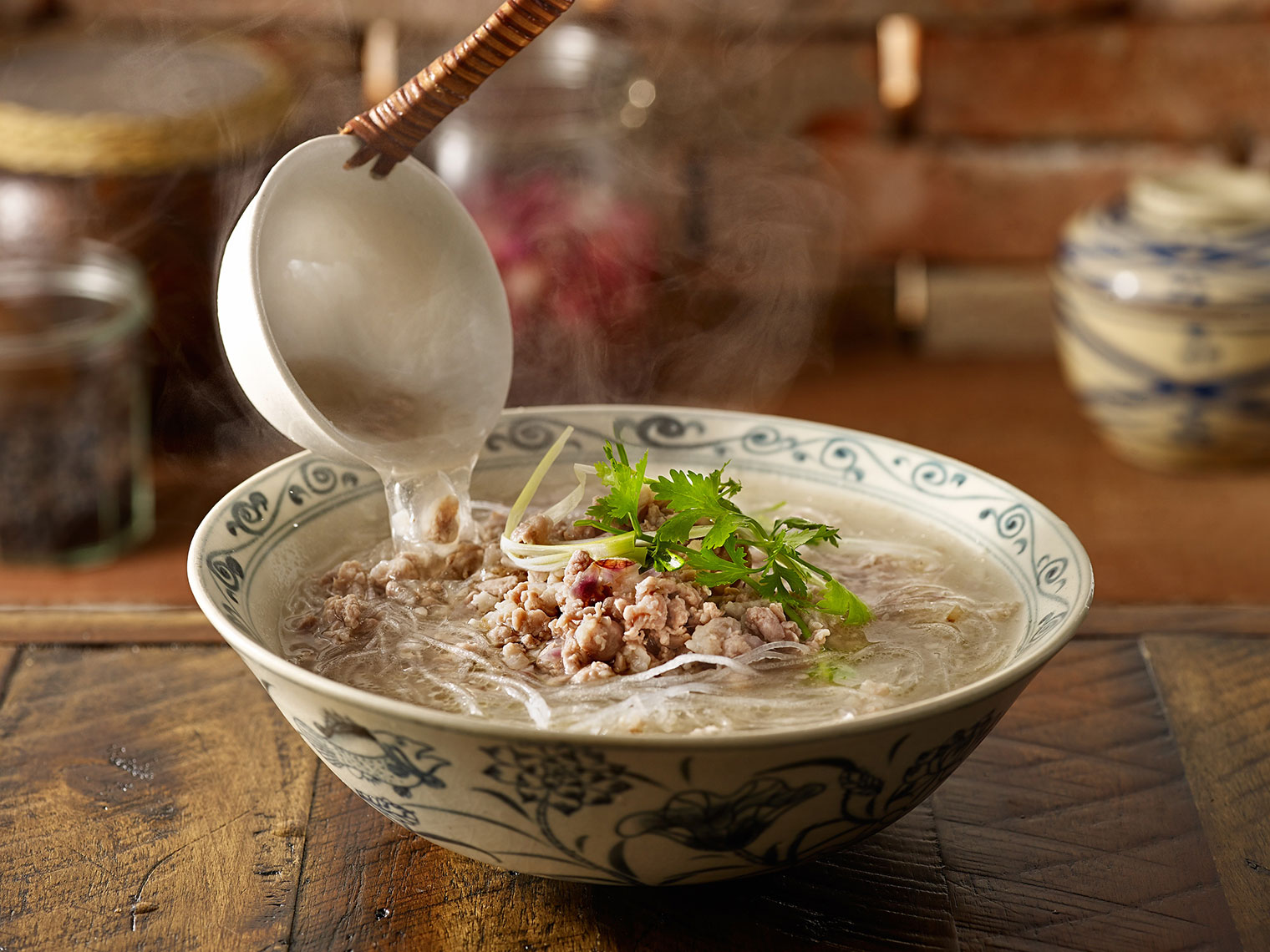 FE024_Vietnamese_food_cookbook_pork_noodle_BITE_Studio_Wing_Chan