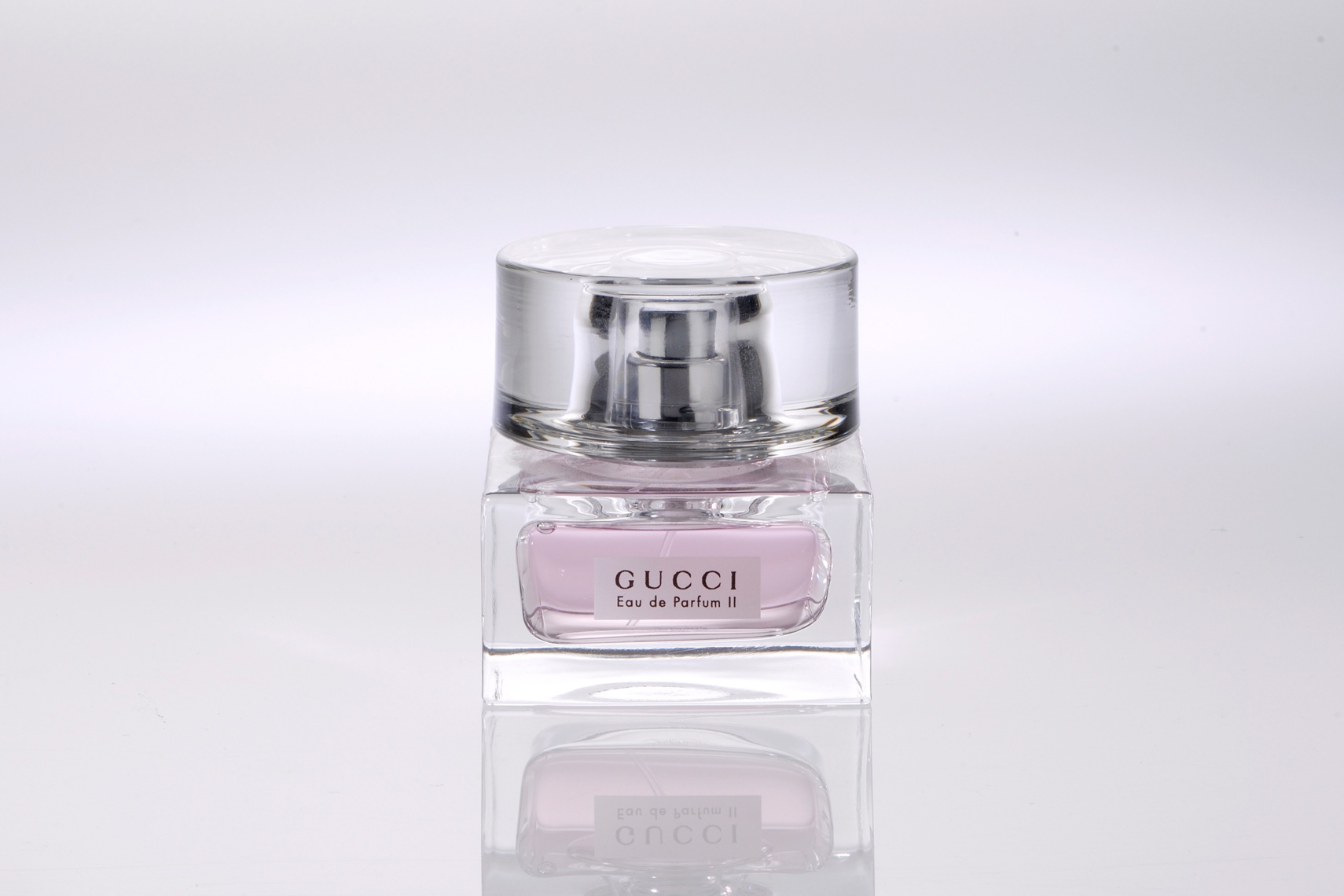 P016_product_shot_gucci_perfume.jpg